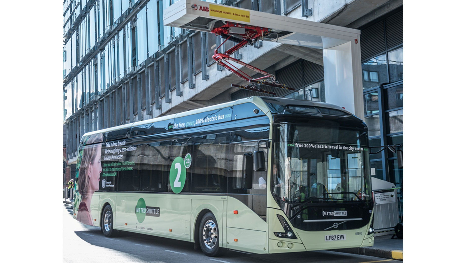 Volvo's electric bus on UK demonstration tour