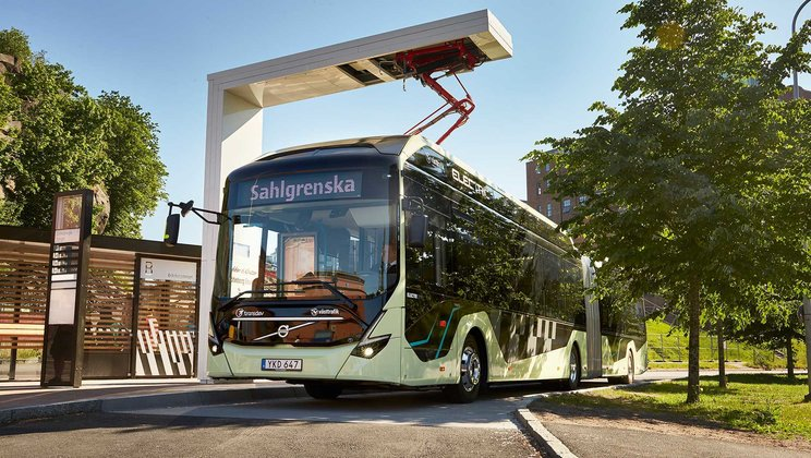 Volvo Ocean Race signals the start for electric articulated buses in Gothenburg