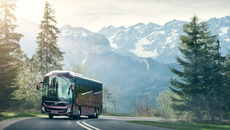 Volvo launches new platform for long-distance coaches