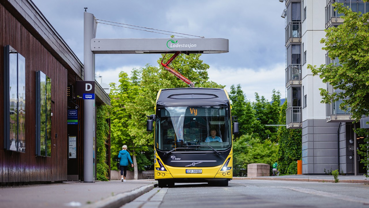 A Volvo 7900 Electric in the streets of Drammen, Norway.