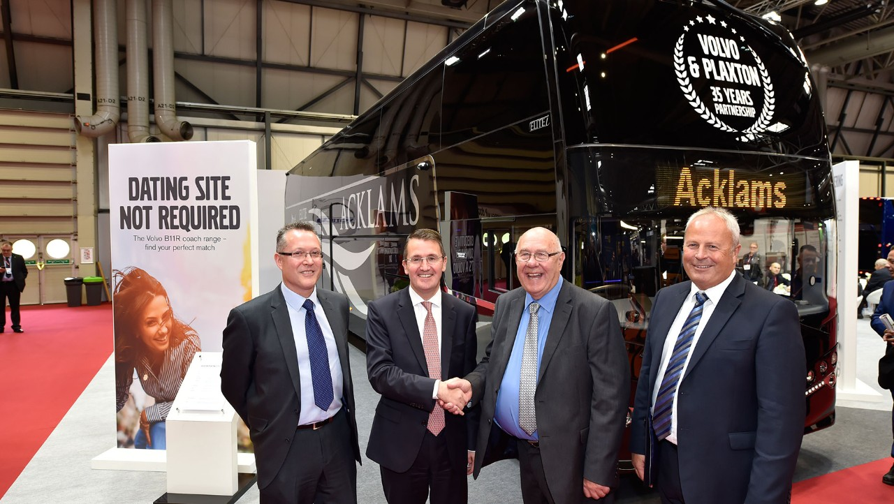 Volvo celebrates 35 year relationship with Plaxton with new bespoke B11R coach at CBUK
